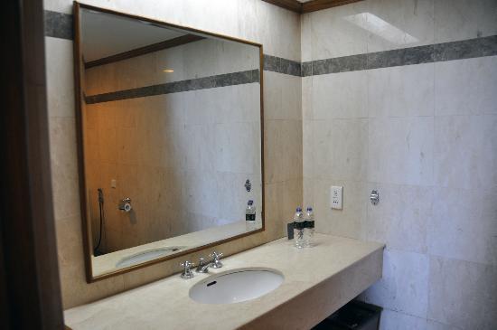 마카사르 골든 호텔 사진