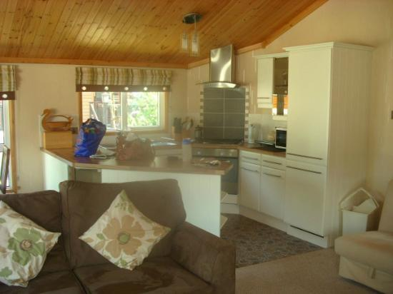 Beauport Holiday Park - Park Holidays UK: kitchen