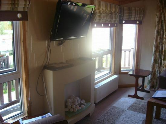 Beauport Holiday Park - Park Holidays UK: lounge