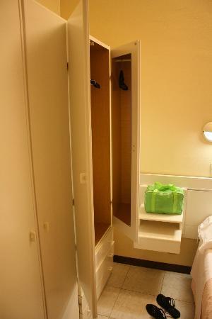 Iris: unico specchio lungo della camera