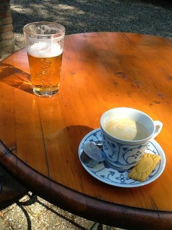 Hotel Cafe Restaurant Bulten: Terras voor huisje