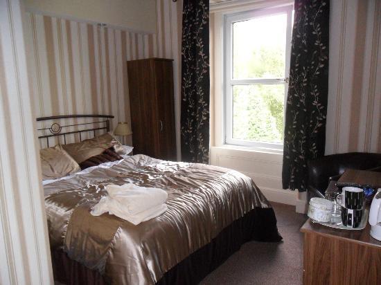 Albany House: bedroom
