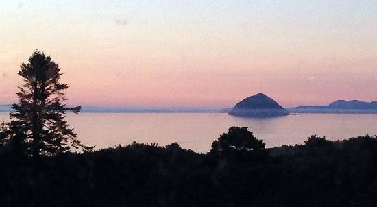 Glenapp Castle: Sunset Ailsa Craig
