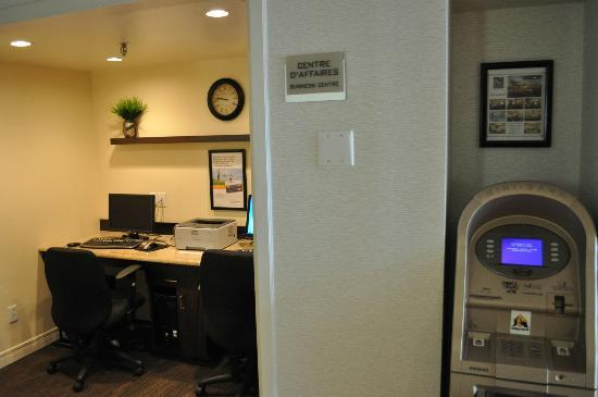 Quality Inn & Suites: Business Centre