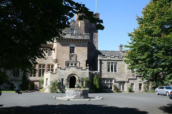 Glenapp Castle: Front Hotel