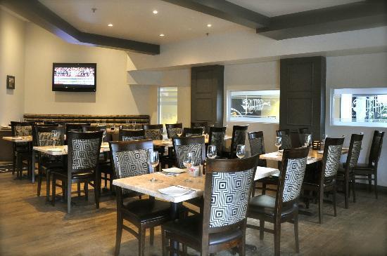 Quality Inn & Suites Brossard: Restaurant