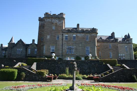 Glenapp Castle: back hotel fronting the sea