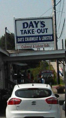 Days Crabmeat and Lobster: Day's has the best crab meat in town