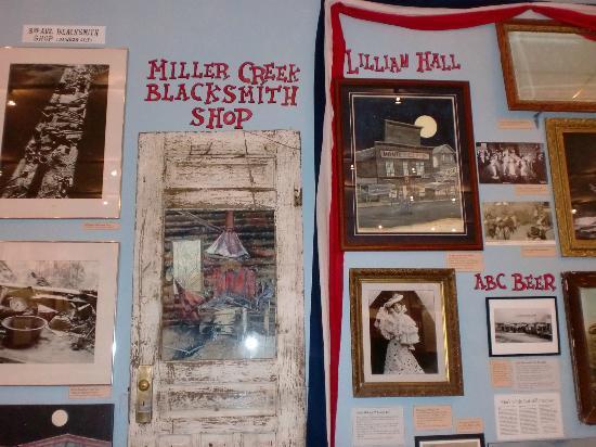 MacBride Museum: BLACKSMITH SHOP