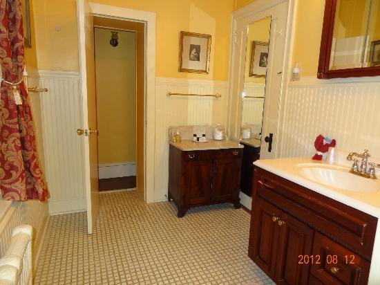 Hamanassett Bed & Breakfast: Bathroom