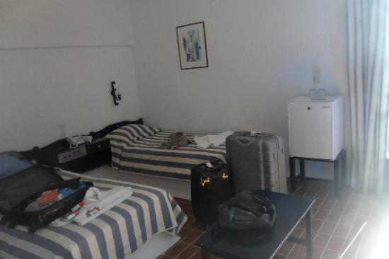 Hersonissos Village Hotel : Nos deux lits bien séparés...
