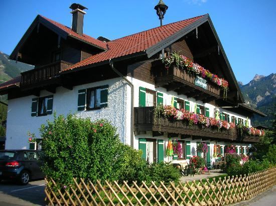 Pension Untersberghof: Pension showing balconies for upstairs rooms