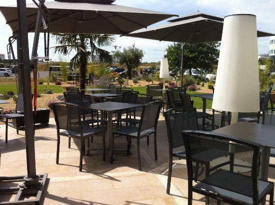 Plaza Site du Futuroscope Hotel: Terrasse hotel Plaza