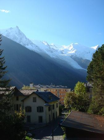 Hotel L'aiguille Verte: View from our balcony