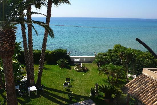 B&B La Terrazza sul mare - Prices & Reviews (Sicily/Avola ...