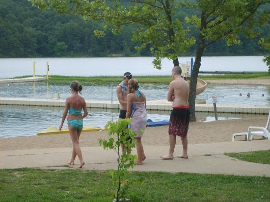 YMCA Trout Lodge: The kids getting ready to swim in lake