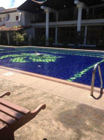 Palm Beach Hotel Pool