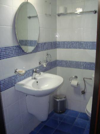 Porto del Colombo Hotel : Bathroom