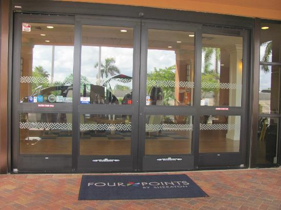Four Points By Sheraton Punta Gorda Harborside: Entrance