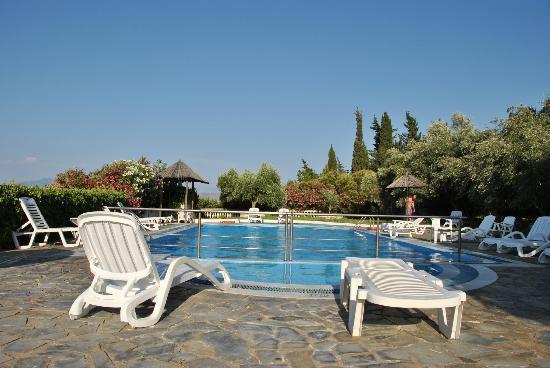 Kassiopi Bay: piscina