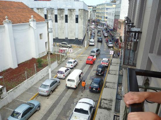 Reforma Hotel : buena vista hacia la ave. juarez