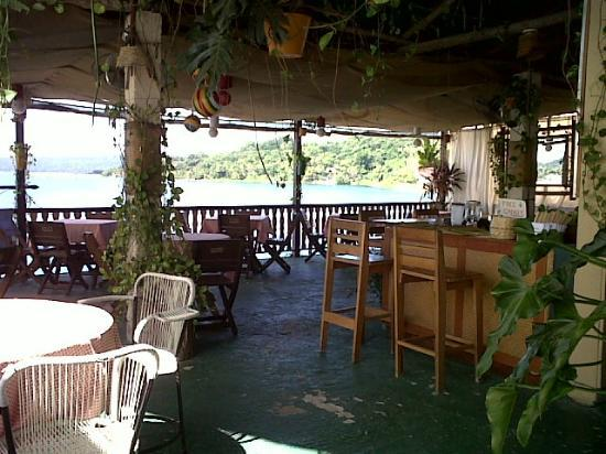 Terrazzo Ristorante & Bar: Nicest view of the lake and mainland.