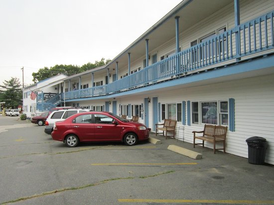 Hilton Dunes Motel: I was in room no. 6..near the beach, store, restaurants...