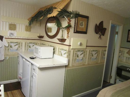 Hilton Dunes Motel: fridg. microwave, t.v.+cable, south deco...