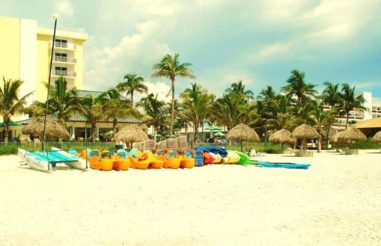 Naples Beach Hotel and Golf Club : Naples Beach Hotel & Gulf Club beach rentals