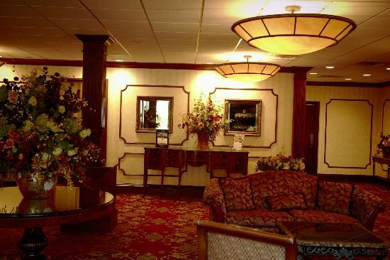 Royal Regency Hotel: Lobby Area