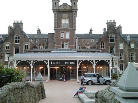 Crieff Hydro Hotel and Resort: Ingang van het hotel