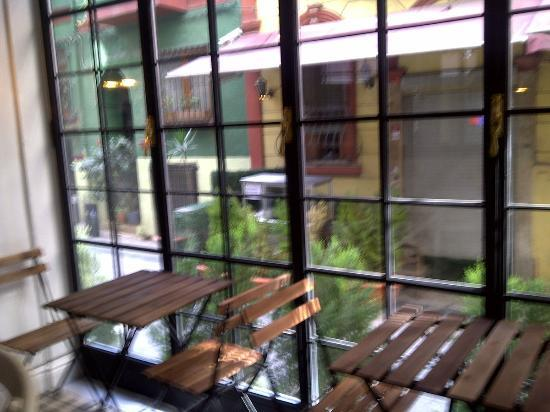 ODDA Hotel: window at breakfast area