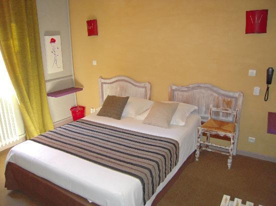 Hôtel Le Belvédère : chambre double, vue sur les gorges