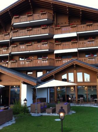 Chalet RoyAlp Hotel & Spa : vue depuis le bar