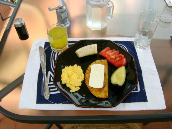 Casa Estudio Su Casa Colombia: They prepare an amazing breakfast every morning :)