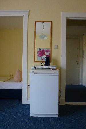 Hotel-Pension Gribnitz: Kühlschrank der die ganze Nacht laut war