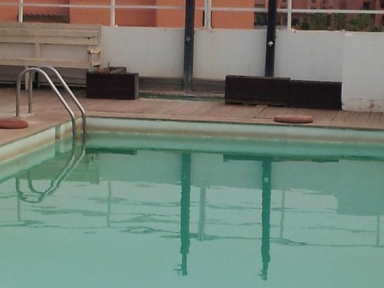 Palais Soltan Riad & Spa: la piscine somptueusement propre