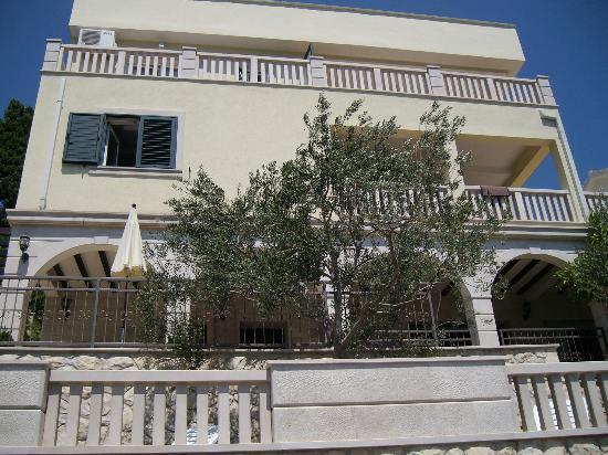 Villa Maslina: Da stand ich an der Promenade direkt am Meer