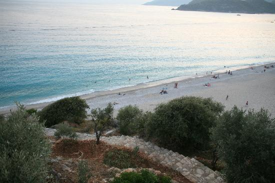 Beyaz Yunus Hotel: olu deniz beach seen from our terrace