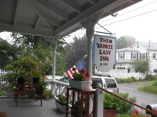 The Yankee Lady Inn: Front Porch, The Yankee Lady