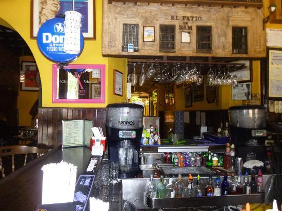 El Patio De Sam: Nice Bar...good Place To Eat