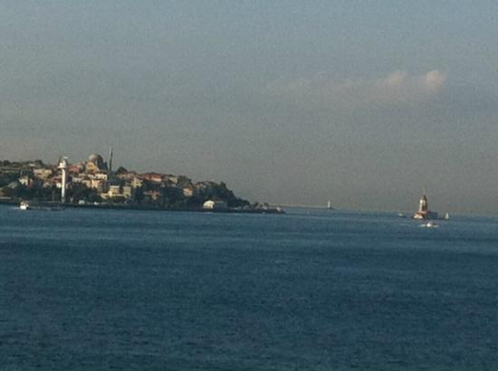 Four Seasons Istanbul at the Bosphorus: view of Mosque