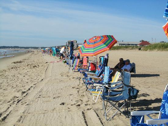 KebeK 3 Motel: Lined up and ready for a great beach day!