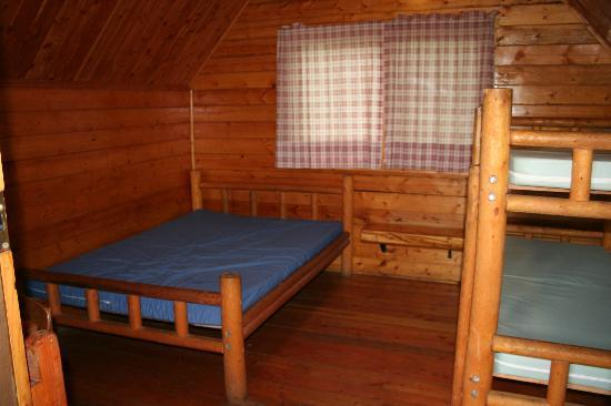 Boston/Cape Cod KOA: Kabin Interior