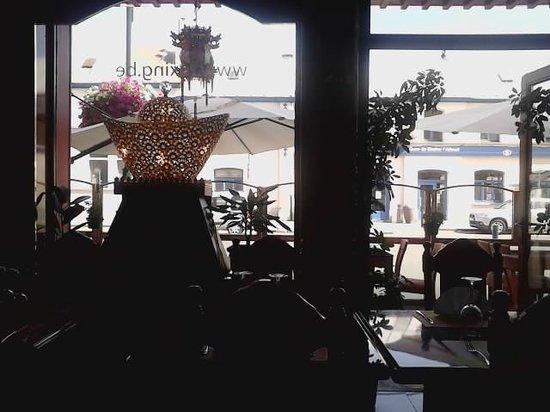 Chen Xi : Le restaurant avec la gare en face
