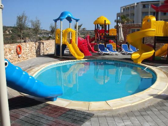 Children 39 s pool picture of db seabank resort spa for Piscine playmobil