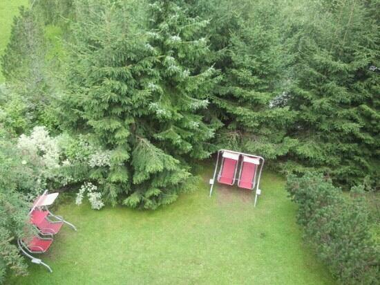 Hotel Hintermoos: giardini visto dal balcone