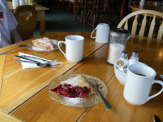 Dawson Peaks Resort & RV Park : Rhubarb pie and Bumbleberry Pie!