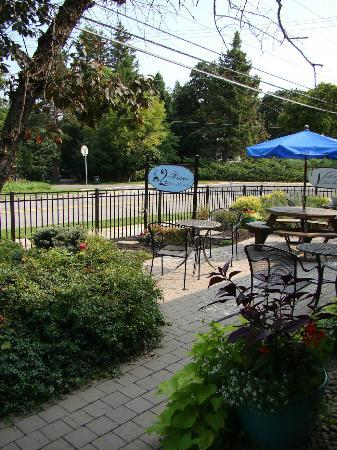 Outdoor Seating at 2 Alices Coffee Lounge