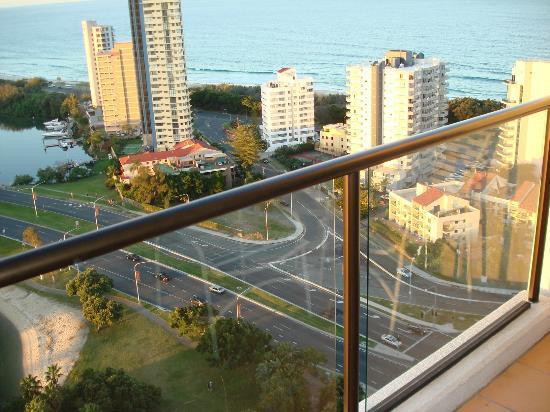 Surfers Paradise Marriott Resort & Spa: Blick auf die Gegend vom Balkon aus_4